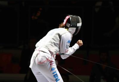 Arianna Errigo esulta dopo una stoccata (Infophoto)