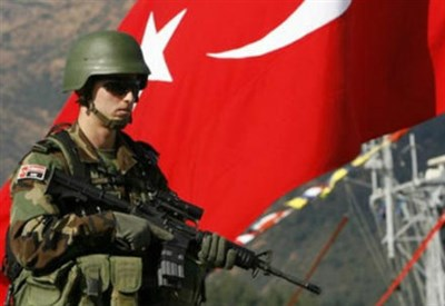 L'esercito turco (Infophoto)
