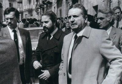 Rocco Chinnici (D) (1925-1983) con accanto il giovane Giovanni Falcone (Immagine dal web)