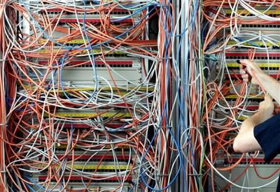 fibra ottica (infophoto)