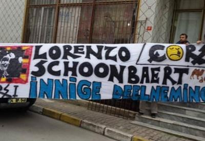 Uno striscione dei tifosi (Foto da Twitter)