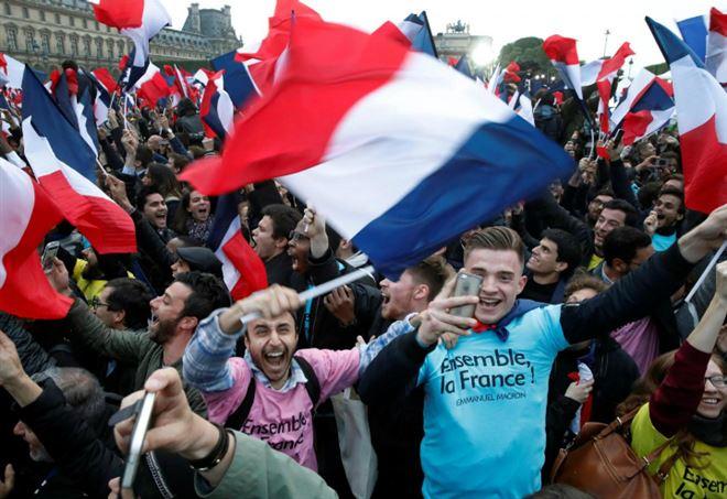 Elezioni in Francia 2017, festa per la vittoria di Macron (LaPresse)
