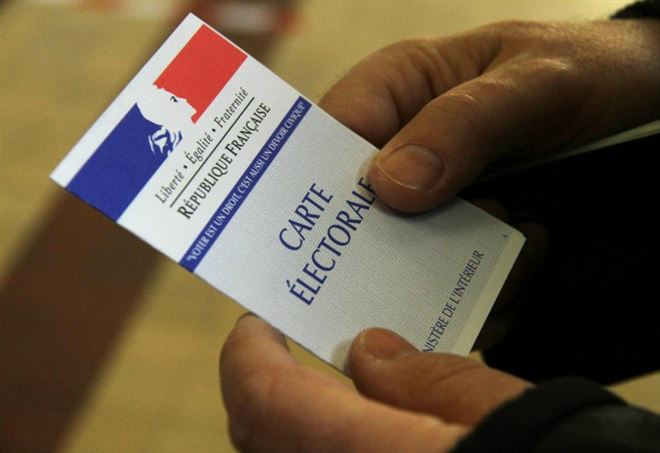 Presidenziali francesi. La Francia al bivio: ballottaggio Macron Le Pen 0