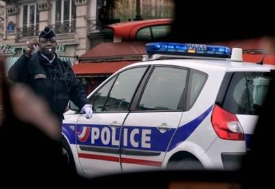 La polizia di Parigi (Foto: Infophoto)