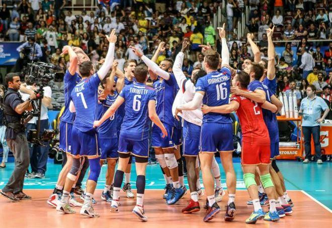 L'Italia sfida la Francia di volley (foto LaPresse)
