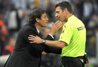 Gianluca Rocchi, 41 anni, espelle Rudi Garcia durante Juventus-Roma (Infophoto)
