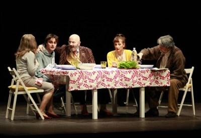 Una scena del comizio-spettacolo di Oscar Giannino