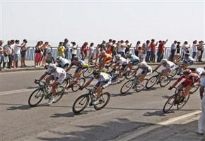 Vuelta 2015/ Video highlights quinta tappa Rota-Alcalà de Guadaira: vittoria di Caleb Ewan