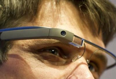 I Google Glass (Infophoto)