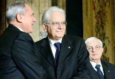 Pietro Grasso con Sergio Mattarella (Infophoto)