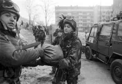 Soldati italiani nei Balcani negli anni 90 (Imagoeconomica)