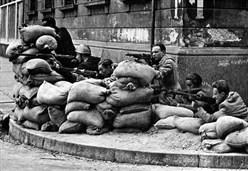 LETTURE/ Dal '48 a Renzi, l'Italiaccia senza pace che non vuol passare