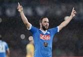HIGUAIN ALLA JUVENTUS/ Calciomercato Napoli News, il Pipita arriva domani o mercoledì a Torino ...