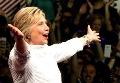 Usa 2016: sondaggio, cala vantaggio Clinton su Trump