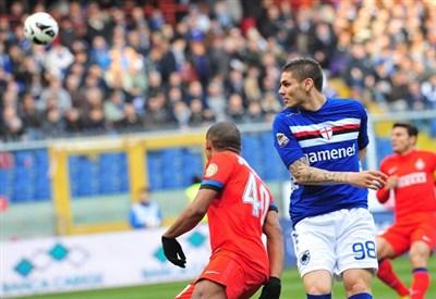 Icardi in maglia Sampdoria in un precedente fra le due squadre (Infophoto)