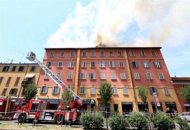 incendio palazzina viale monza 237 milano lapresse