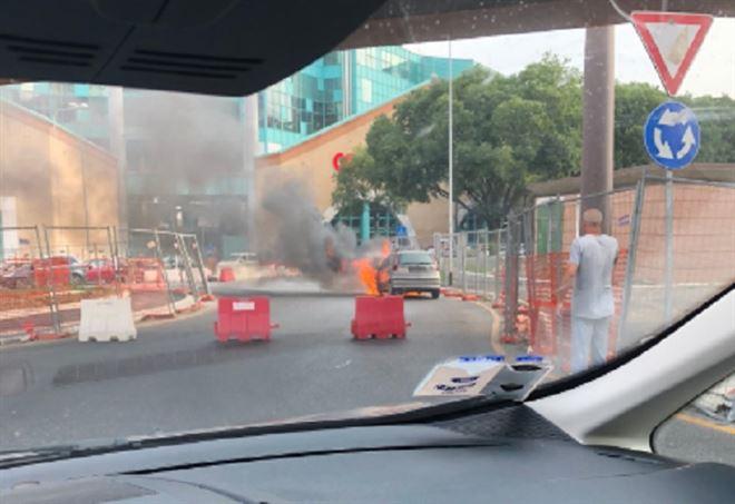 Incendio Novoli, la foto di un guidatore (Twitter)