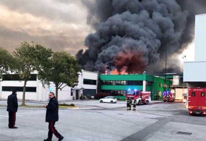 Pordenone: il colosso di pizze surgelate Roncadin è in fiamme