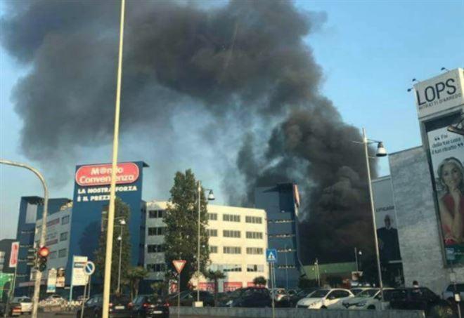Incendio a Trezzano sul Naviglio (Twitter)