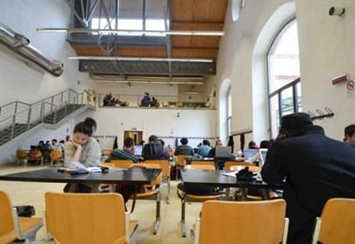 Un'aula universitaria (Infophoto)