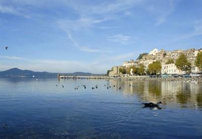 Lago di Bracciano (Infophoto)