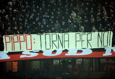 Uno striscione dei tifosi del Milan per Pippo Inzaghi: desiderio esaudito (Infophoto)