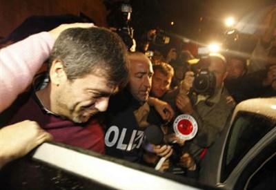Antonio Iovine al momento dell'arresto (InfoPhoto)