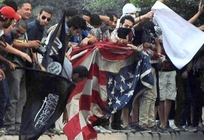 Attacco all'ambasciata Usa al Cairo (InfoPhoto)