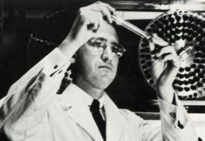 Jonas Salk e le sue provette