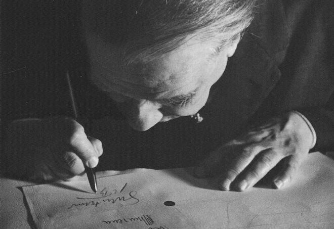 Jorge Luis Borges nel 1963 nella foto di Alicia D'Amico (Wikipedia)