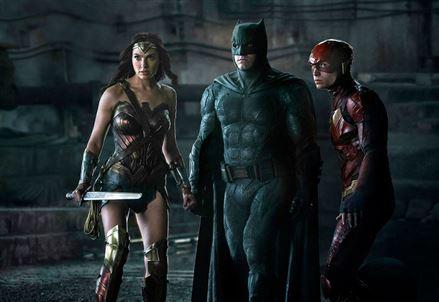 JUSTICE LEAGUE/ La fusione fallita nella risposta DC agli Avengers