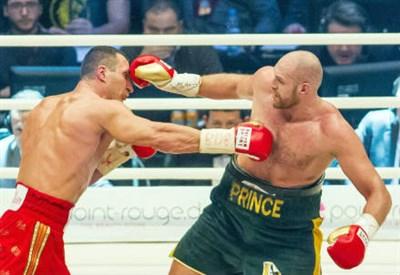 L'ucraino Wladimir Klitschko (sinistra), 39 anni e l'inglese Tyson Fury, 27 (INFOPHOTO)