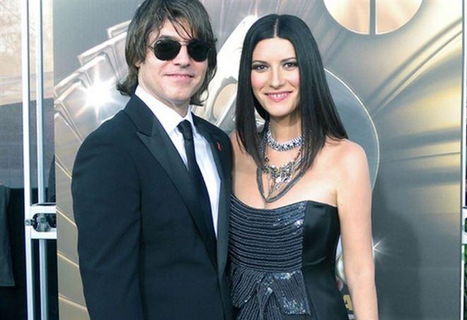 Laura Pausini con il marito e chitarrista del suo gruppo