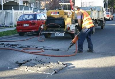 Lavori stradali, un contributo all'inquinamento da rumore (cc Josh Parris)