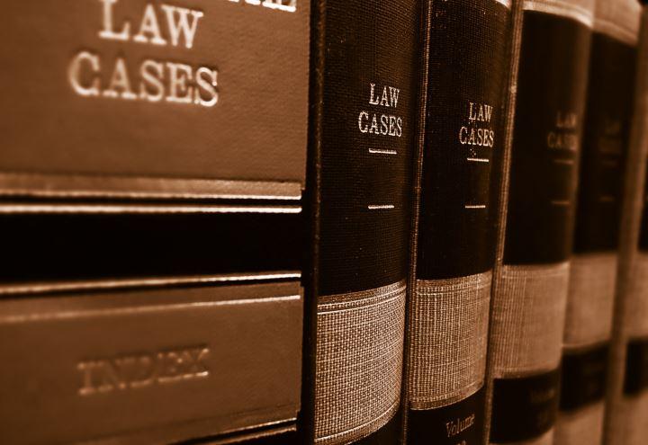 Lauree spagnole vendute per diventare avvocati/ 500 italiani saltano l'esame si iscrivono all'albo in Spagna