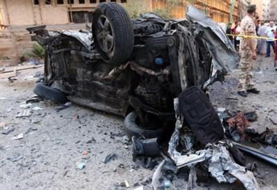 Il veicolo fatto esplodere dal kamikaze (Infophoto)