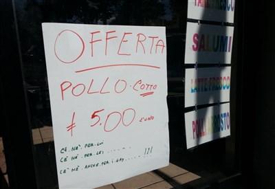 Il cartello in macelleria (Fonte: Quilivorno.it)