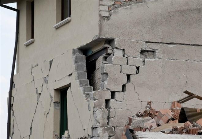 Terremoto oggi e Meteo (immagine d'archivio)