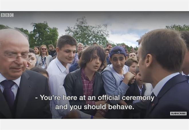 Il presidente francese, Macron, striglia uno studente - Youtube