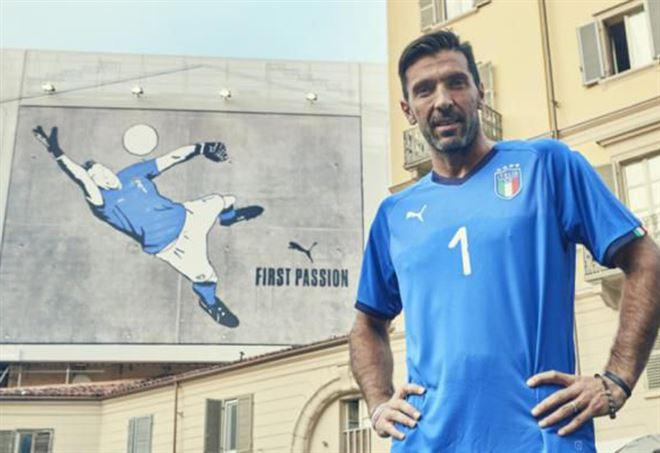 La nuova maglia dell'Italia - Twitter