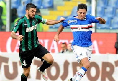 Francesco Magnanelli (sinistra), 31 anni, del Sassuolo e l'italo-brasiliano Eder, 29, della Sampdoria (INFOPHOTO)