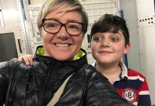 Tina e il figlio Joseph, foto da Facebook