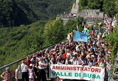 Un manifestazione No Tav (Infophoto)