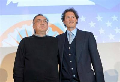 Sergio Marchionne e John Elkann (Infophoto)