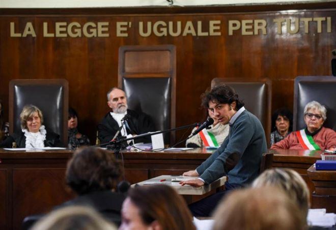 Suicidio dj Fabo, oggi sentenza processo Marco Cappato (Foto: LaPresse)