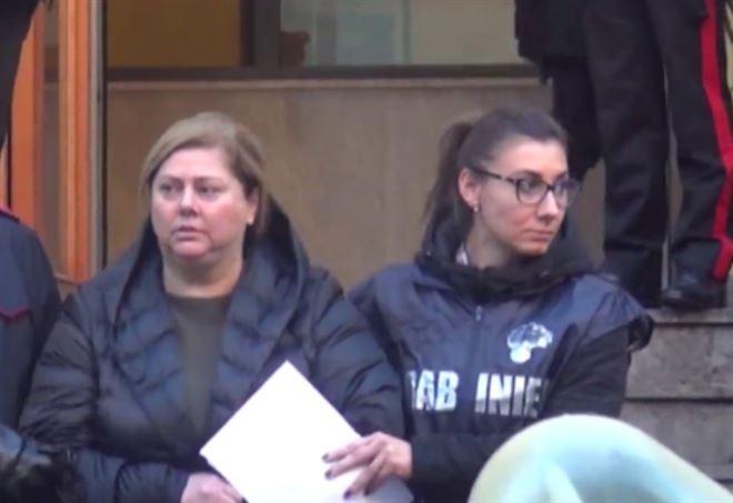 Maria Angela Di Trapani al momento dell'arresto