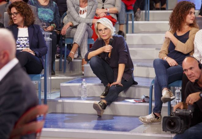 """Maria De Filippi conduce """"Uomini e Donne"""""""