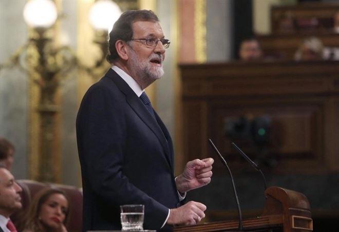 Mariano Rajoy durante il discorso di ieri alla Moncloa (LaPresse)