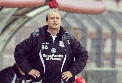 Pasquale Marino, 52 anni, allenatore del Vicenza (dall'account Twitter ufficiale @VicenzaCalcio)