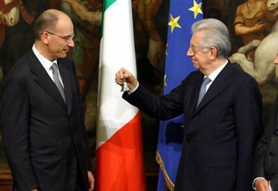 Enrico Letta e Mario Monti (Infophoto)